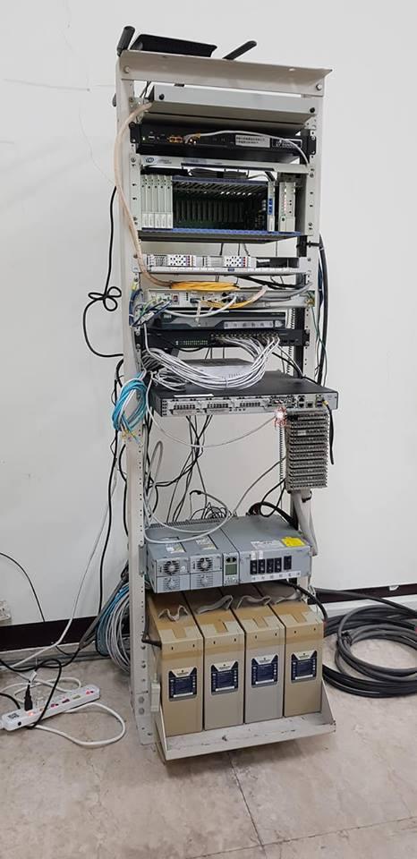 網路線機櫃